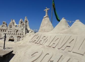 Escultura de arena en Copacabana. 2014